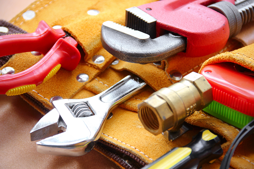 Helpful Plumbing Tools to Keep at Home in Case of an Emergency